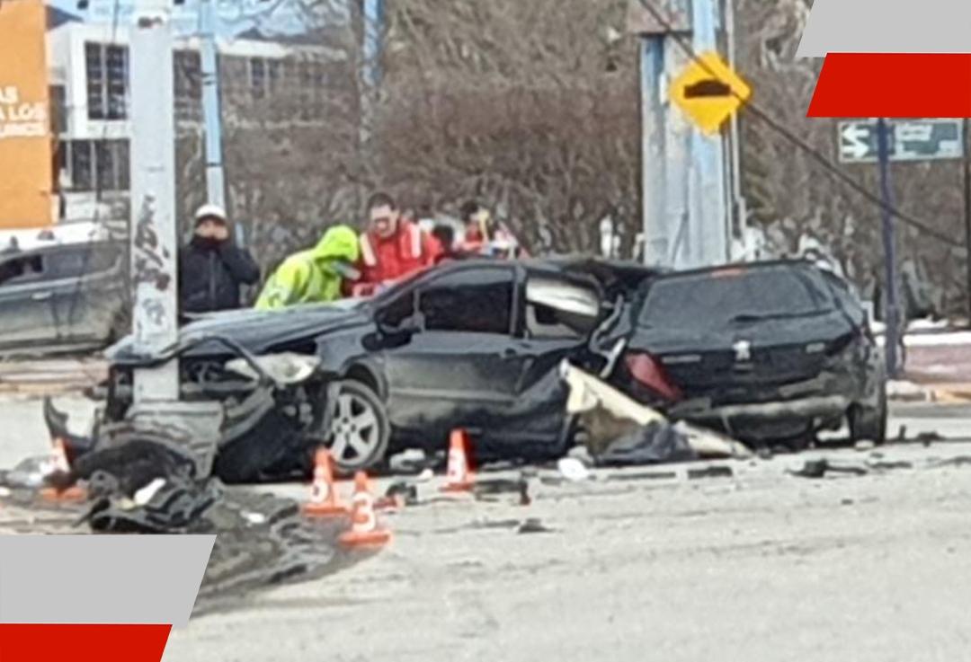 Dos víctimas fatales en Ushuaia, tras el impacto de un auto contra unacolumna