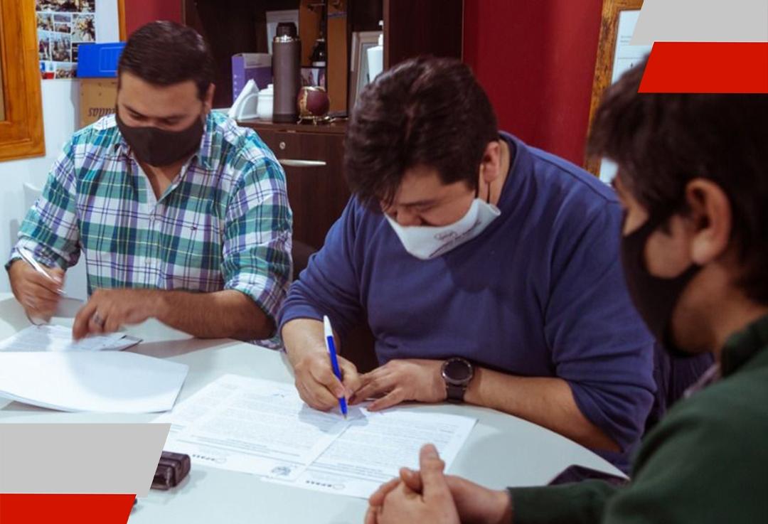 El Municipio de Tolhuin firmó convenios con la DPOSS para trabajar de maneraconjunta