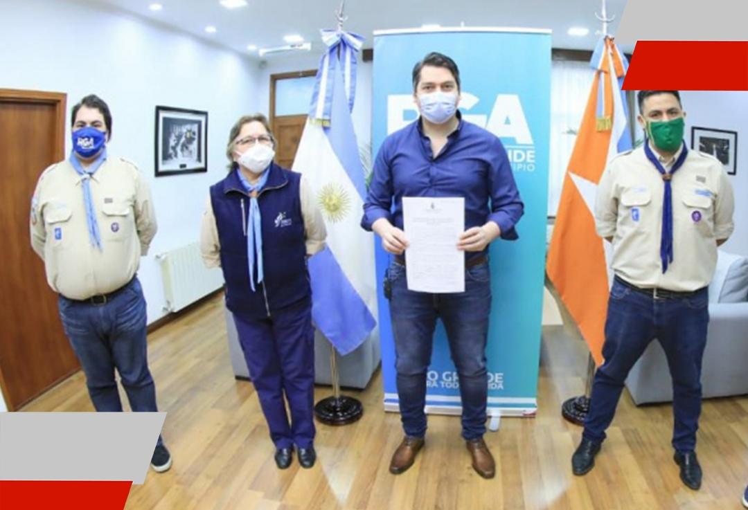 Convenio entre el Municipio y los scouts de Argentina: fomentando solidaridad yvalores