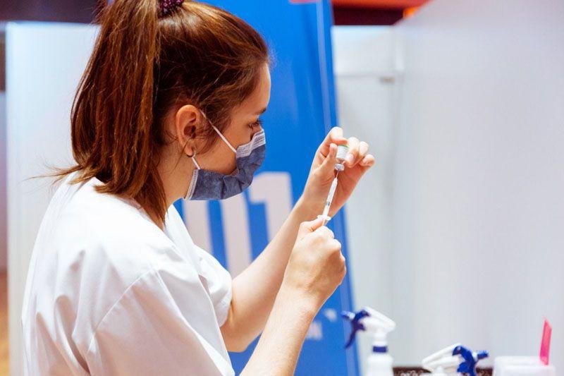 Vacunación a menores de edad sinriesgo